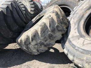 Kurz Karkassenhandel Traktorreifen und Landwirtschaftsreifen Entsorgung
